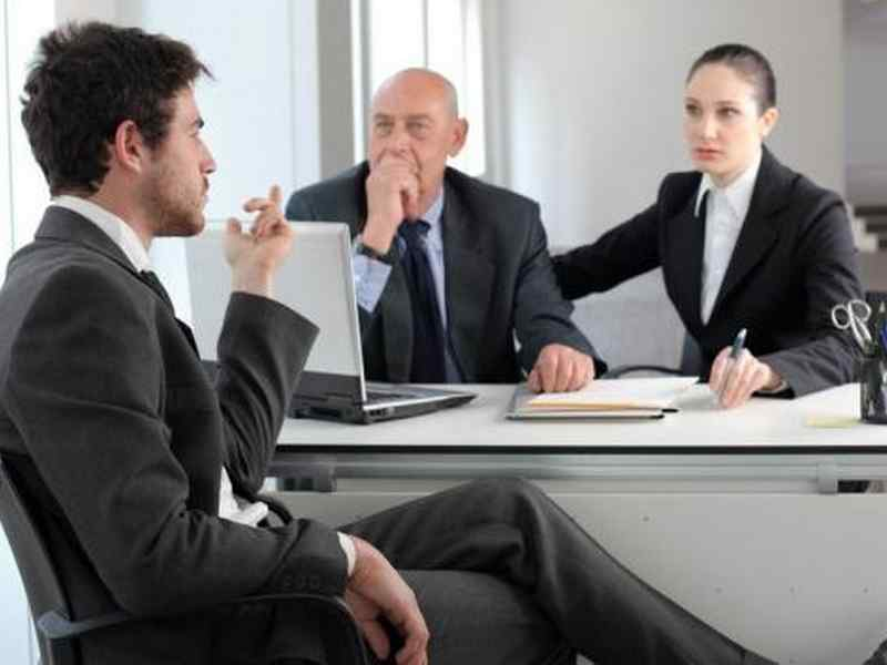 come vestirsi per il colloquio di lavoro