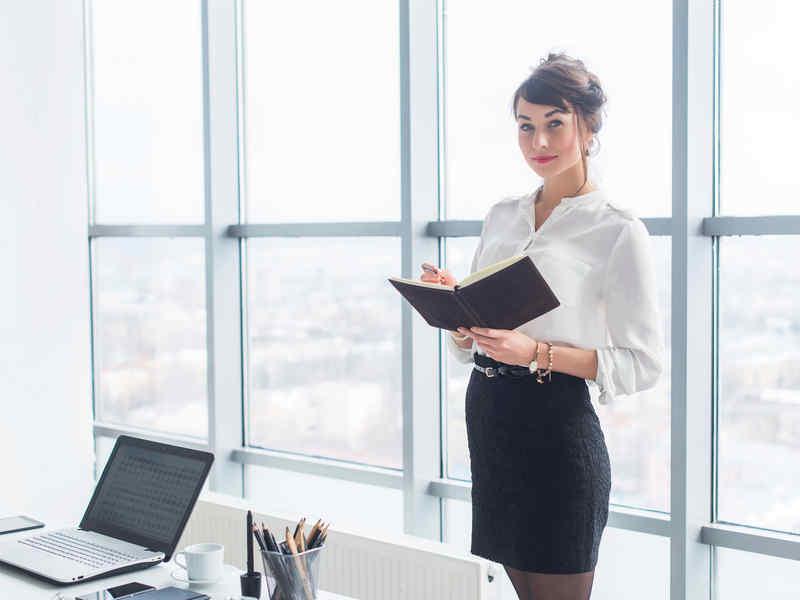 Ufficio Elegante Jobs : Vestirsi con stile in ufficio scegliere il vestito giusto per